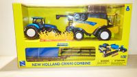 New Holland CR9090 Combine with Tractor & Trailer Scale Model 1:32