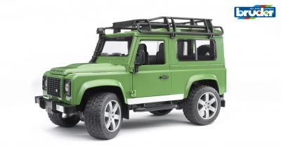 Land Rover Defender Station Wagon - Bruder 02590 Scale 1:16