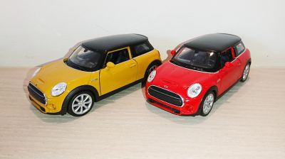 New Mini Hatch Diecast Scale Model Car Scale 1:38 Red Yellow