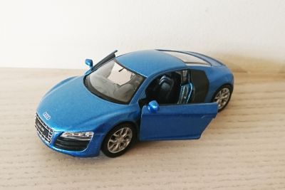 Audi R8 V10 Blue Die Cast Scale 1:38 Model Car