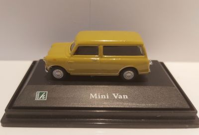 Mini Clubman Estate Diecast Car - Scale 1:72 - Cararama Oxford