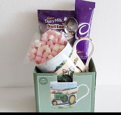 Cadbury's Hot Chocolate & Vintage Tractor Green Mug Gift Set